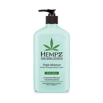Hempz Молочко для тела Тройное увлажнение Herbal Body Triple Moisture 500 млC5512800Обогащено 100% натуральным маслом семян конопли и специальным запатентованным Комплексом Увлажнение Тройного Действия.Входящие в состав витамины, масло Янгу, антивозростной экстракт яблока и экстракт Императы ( осока), мягко очищает кожу и увлажняет её на 24 часа. Питательная, не сохнующая формула без сульфатов, обогащённая антиоксидантами, возвращающая коже упругость.Ключевые ингредиенты:натуральное масло семян конопли,антивозрастной экстракт яблока,калий, экстракт императы (осока). Крем богат антиоксидантами и жирными кислотами. Без парабена и глютена. VEGAN – 100%. Аромат: Грейпфрут и персик.