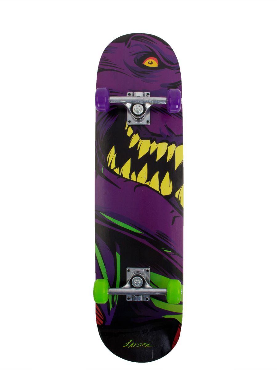 Скейтборд Larsen Street 1, цвет: фиолетовый, салатовый, черный, дека 79 см х 20 смZ90 blackСкейтборд Larsen Street 1 прекрасно подойдет для ежедневного использования юным любителям активного отдыха. Отличный вариант для начинающих скейтбордистов. Прочная доска изготовлена из китайского клена. 9 слоев деки делают ее крепкой и надежной, обеспечивая безопасность при катании. Колеса выполнены из качественного полиуретана. Материал трака - алюминий, хорошо зарекомендовавший себя в качестве прочного и устойчивого к внешним воздействиям металла. Обладая ярким и оригинальным дизайном, скейтборд Larsen Street 1 прост в эксплуатации и неприхотлив в уходе.Характеристики:Размер деки: 31х8 (79 см х 20 см). Материал трака: алюминий. Амортизатор: поливинилхлорид. Материал колес: полиуретан. Размер колес: 52 х 30 мм. Подшипник: ABEC 1, углеродистая сталь. Размер трака: 5 (12,7 см), усиленный. Жесткость колес: 82А