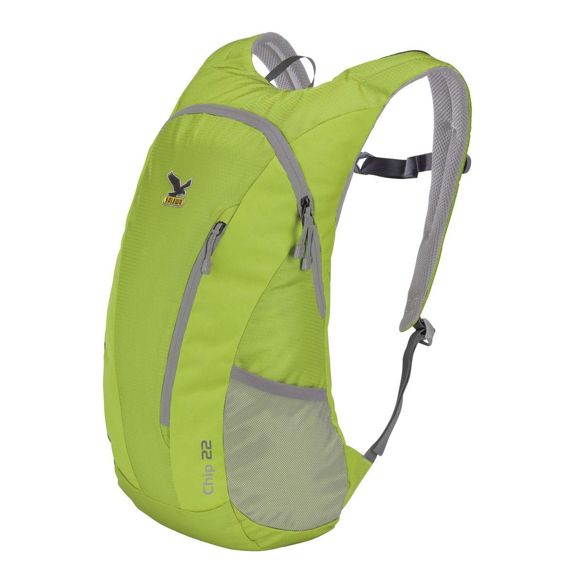 Рюкзак городской Salewa Chip 22, цвет: светло-зеленый, 22 л. 1130_53301130_5330Стильный городской рюкзак Salewa Chip 22 выполнен из полиэстера. Изделие имеет одно основное отделение, которое закрывается на застежку-молнию. Внутри расположен накладной карман для небольшого ноутбука. Снаружи, на передней стенке находится прорезной карман на застежке-молнии, в который рюкзак компактно складывается. По бокам расположены сетчатые карманы на эластичных резинках.Рюкзак оснащен широкими регулирующими лямками и удобной ручкой для переноски в руках. Лямки дополнены регулируемым грудным ремнем. Спинка и внутренняя сторона лямок оснащена сетчатыми вставками, которые обеспечивают воздухопроницаемость и комфорт во время носки. Компактный городской рюкзак идеально подойдет для повседневного использования и активного досуга.