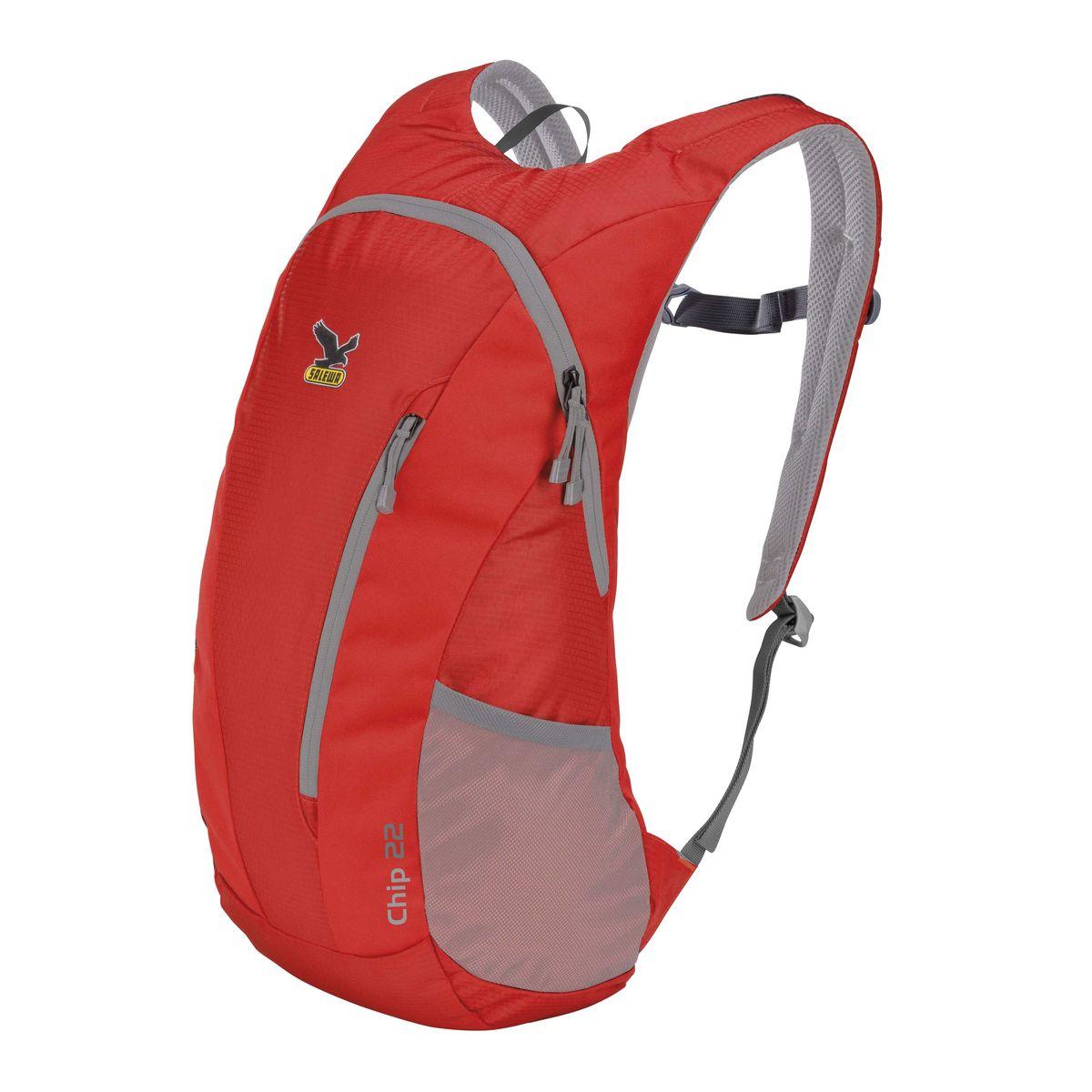Рюкзак городской Salewa Chip 22, цвет: красный, 22 л. 1130_15001130_1500Стильный городской рюкзак Salewa Chip 22 выполнен из полиэстера. Изделие имеет одно основное отделение, которое закрывается на застежку-молнию. Внутри расположен накладной карман для небольшого ноутбука. Снаружи, на передней стенке находится прорезной карман на застежке-молнии, в который рюкзак компактно складывается. По бокам расположены сетчатые карманы на эластичных резинках.Рюкзак оснащен широкими регулирующими лямками и удобной ручкой для переноски в руках. Лямки дополнены регулируемым грудным ремнем. Спинка и внутренняя сторона лямок оснащена сетчатыми вставками, которые обеспечивают воздухопроницаемость и комфорт во время носки. Компактный городской рюкзак идеально подойдет для повседневного использования и активного досуга.