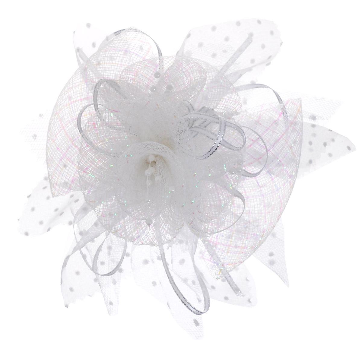 Babys Joy Зажим для волос цвет белый K 91636619-2Зажим для волос Babys Joy выполнен из металла и декорирован большим бантом из органзы с лентой из люрекса.Зажим позволит убрать непослушные волосы со лба и придаст образу немного романтичности и очарования.
