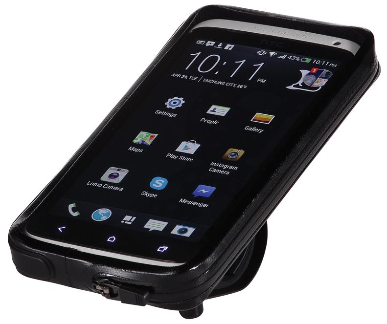 Чехол для телефона BBB Guardian. BSM-11MHDR2G/AУниверсальный чехол BBB Guardian для вашего смартфона обеспечивает полную сенсорную функциональность. Он водонепроницаем. Ударопрочная подкладка обеспечивает дополнительную защиту от падений. Жесткая внутренняя структура для дополнительной жесткости и устойчивости. Отдельная подкладка для улучшения фиксации смартфонов меньшего размера. На задней стороне имеется окошко для камеры. Качество швов улучшено. Чехол устанавливается в вертикальном или горизонтальном положении. Угол обзора регулируется для удобства просмотра или киносъемки. Монтируется на выносе и руле с помощью крепежа BSM 91 PhoneFix. Монтируется на крышке рулевой колонки с помощью крепежа BSM 92 SpacerFix.