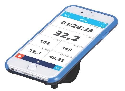 Комплект крепежа для телефона BBB Patron I6, цвет: белый, синий. BSM-03BSM-11Превратите ваш iPhone 6 или iPhone 6S в высокотехнологичный велокомпьютер (смартфоны в комплект не входят. iPhone - это торговая марка Apple Inc., зарегистрированная в США и других странах).Тонкий чехол на каждый день.Монолитный дизайн для лучшей защиты.Внешняя оболочка из устойчивого к ударам и падениям поликарбоната.Произведено в сотрудничестве с TRP в целях снижения ударов и вибраций.Опциональный дождевик в комплекте.Полная совместимость с iPhone.Устанавливается как в портретном формате, так и в ландшафтном.Регулируемый угол установки для оптимальных возможностей по съемке.Устанавливается на вынос, или руль при помощи включенного крепления BSM-91 PhoneFix.Устанавливается на крышке выноса с помощью BSM-92 SpacerFix (в комплекте).Вес: 69 грамм без хомутов.