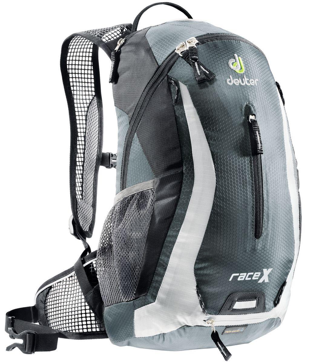 Рюкзак Deuter Race X, цвет: темно-серый, белый, 12 л32123_4111Маленький спортивный и обтекаемый велосипедный рюкзак Deuter Race X. Простой дизайн, технологичный материал Hexlite-идеальный выбор для сторонников минимального веса. Особенности:- вентилируемая спинка Deuter Airstripes; - анатомические плечевые лямки из сетки и нагрудный ремень с удобной регулировкой; - набедренный пояс с сетчатыми крыльями; - наружный карман, небольшой верхний карман на молнии, передний карман; - отражатели 3M спереди, сзади и по бокам; - внутренний карман для мелких вещей; - петля для крепления ночного габарита Safety Blink; - чехол от дождя; - сетчатые боковые карманы; Вес: 600 грамм. Объём: 12 литров. Размеры: 44x24x18 см.