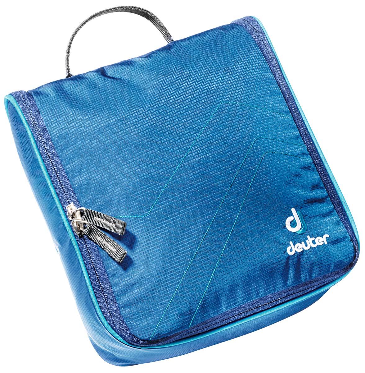 Косметичка Deuter Accessories Wash Center II, цвет: светло-голубой, бирюзовый, 25 см х 24 см х 9 см39464_3306Дорожная косметичка Deuter Accessories Wash Center II , выполненная из полиамида и полиэстера, незаменима в путешествиях и командировках. Косметичка содержит большое центральное отделение с тремя сетчатыми карманами, два кармана на молнии, сетчатый карман на молнии, а также съемное внутреннее отделение с дополнительным крючком. Застегивается на молнию с двойным бегунком по всему периметру. Изделие снабжено текстильной петлей для подвешивания.Стильная дорожная косметичка станет практичным аксессуаром, который идеально дополнит ваш образ.