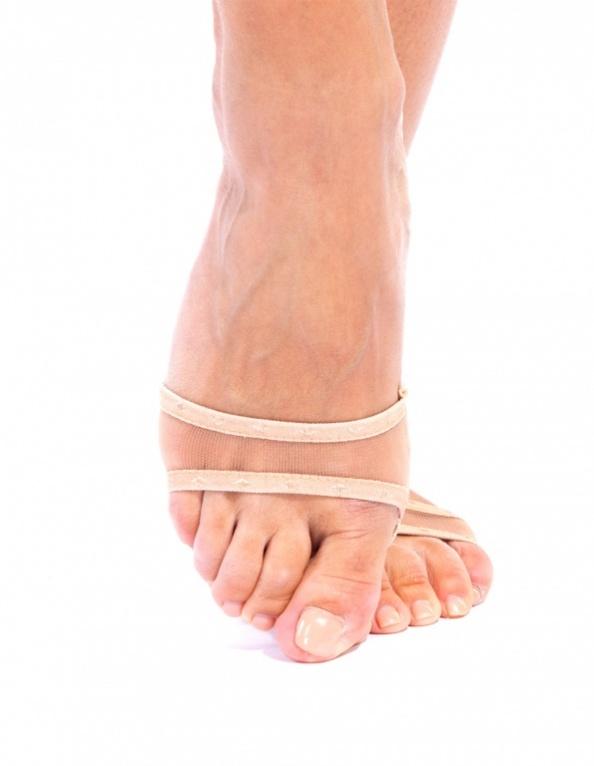 BRADEX Носочки мини с антискользящими подушечками САМУИ4630003365187Вам надоели натоптыши, мозоли и выскальзывающие из-под ног босоножки? Боитесь купить новую пару, с ужасом предвкушая период притирки?Всего этого Вам помогут избежать мини-носочки с антискользящими подушечками! Они препятствуют образованию мозолей и натоптышей, а специальные антискользящие вставки надежно фиксируют положение стопы в туфле. • Выбирайте из 3 видов дизайна: МАЛЕ, РИВЬЕРА и САМУИ. Благодаря различной форме, носочки отлично подойдут к любой обуви, будь то сланцы, балетки или босоножки с открытым мысом.• Они совсем не видны под обувью, хорошо тянутся и плотно облегают ногу.Позаботьтесь о красоте и комфорте Ваших ножек с мини-носочками!