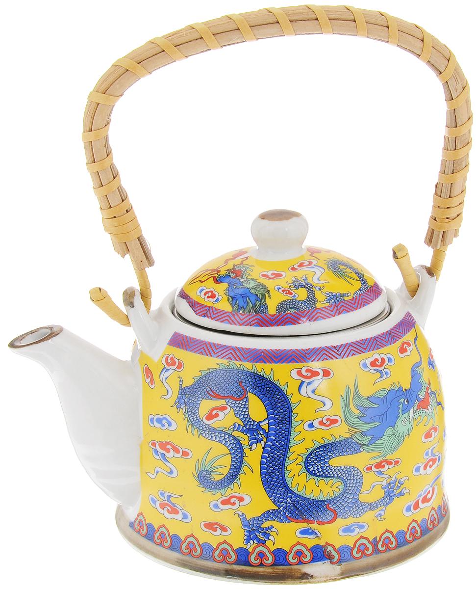 Чайник заварочный Patricia, с фильтром, 400 мл115510Заварочный чайник Patricia изготовлен из высококачественной керамики с гладким глазурованным покрытием. Чайник снабжен металлическим фильтром и съемной деревянной ручкой.Любой чай в таком изысканном чайнике станет для вас наслаждением, поводом отдохнуть и перевести дыхание. Он прекрасно украсит сервировку стола к чаепитию, а также станет хорошим подарком друзьям и близким. Диаметр (по верхнему краю): 7,5 см. Высота чайника (без учета крышки): 7,5 см. Высота фильтра: 4,5 см.