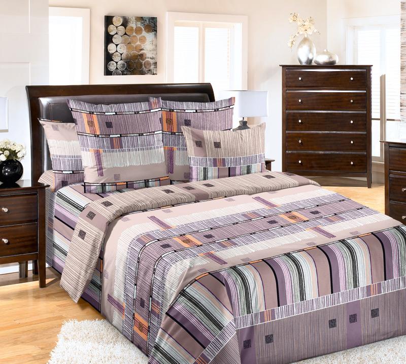 Комплект белья Primavera Параллель, 2-спальный, наволочки 70x70, цвет: фиолетовый391602Наволочки с декоративным кантом особенно подойдут, если вы предпочитаете класть подушки поверх покрывала. Кайма шириной 5-10см с трех или четырех сторон делает подушки визуально более объемными, смотрятся они очень аккуратно, даже парадно. Еще такие наволочки называют оксфордскими или наволочками «с ушками».Сатин – прочная и плотная ткань с диагональным переплетением нитей. Хлопковый сатин по мягкости и гладкости уступает атласу, зато не будет соскальзывать с кровати. Сатиновое постельное белье легко переносит стирку в горячей воде, не выцветает. Прослужит комплект из обычного сатина меньше, чем из сатина повышенной плотности, но дольше белья из любой другой хлопковой ткани. Сатин приятен на ощупь, под ним комфортно спать летом и зимой.Производство «Примавера» находится в Китае, что позволяет сократить расходы на доставку хлопка. Поэтому цены на это постельное белье более чем скромные и это не сказывается на качестве. Сатин очень гладкий, мягкий, но при этом, невероятно прочный. Он прослужит вам действительно долго и не полиняет. Для нанесения рисунков используют только безопасные для окружающей среды и здоровья человека красители.