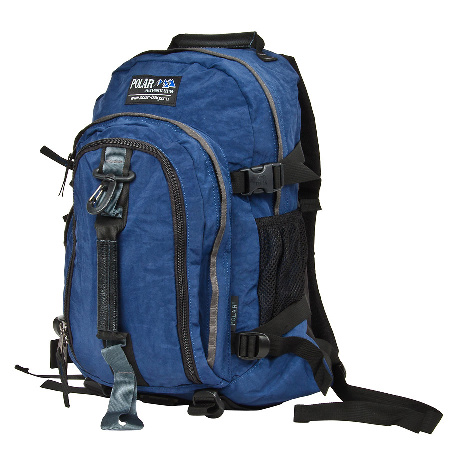 Рюкзак городской Polar, 21 л, цвет: синий. П955-04П2170-03Городской рюкзак с модным дизайном. Полностью вентилируемая и удобная мягкая спинка, мягкие плечевые лямки создают дополнительный комфорт при ношении. Центральный отсек для персональных вещей и документов A4 на двухсторонних молниях для удобства. Маленький карман для mp3, CD плеера. Два боковых кармана под бутылки с водой на резинке. Регулирующая грудная стяжка с удобным фиксатором. Регулирующий поясной ремень, удерживает плотно рюкзак на спине, что очень удобно при езде на велосипеде или продолжительных походах. Система циркуляции воздуха Air. Материал Polyester.