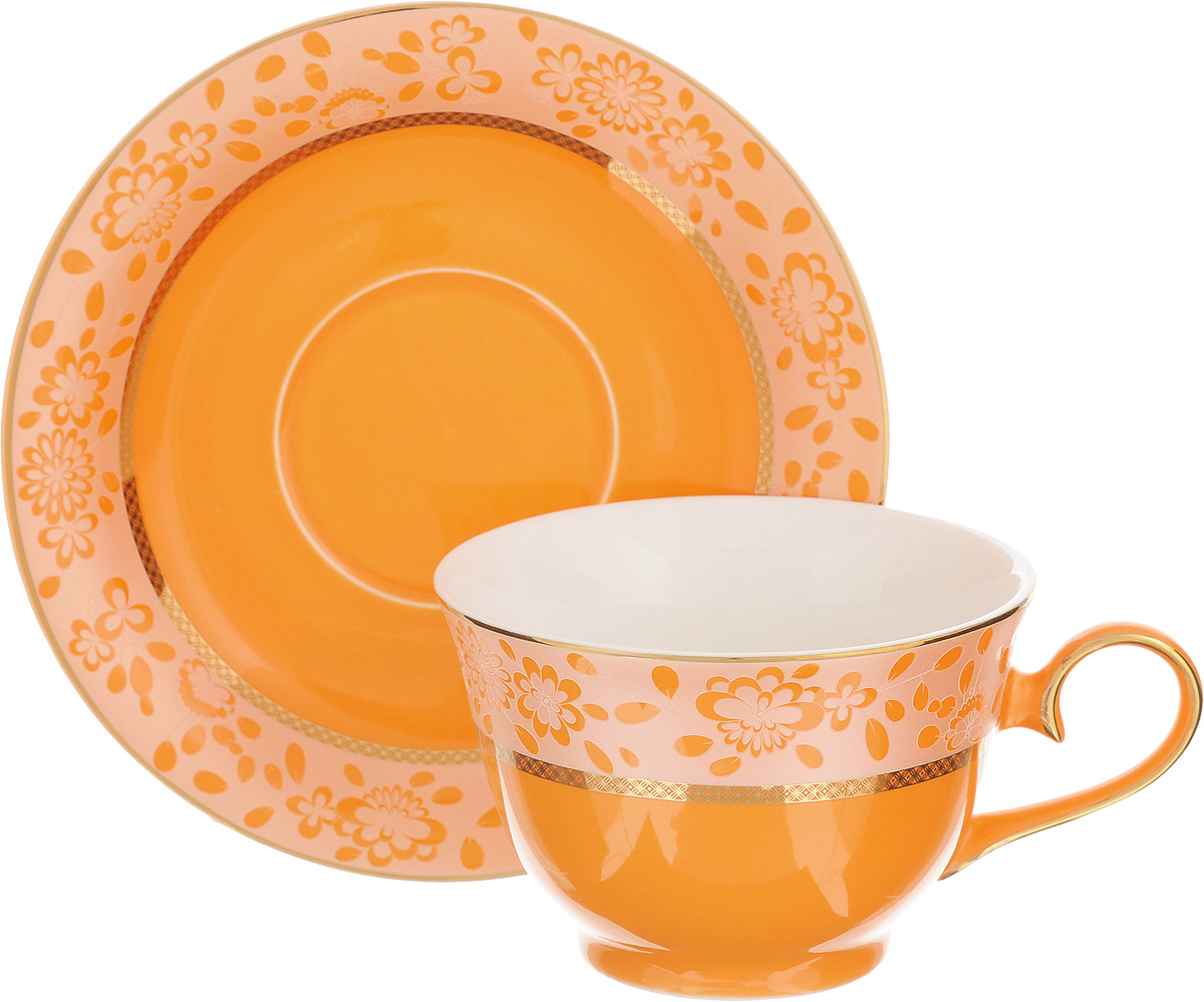 Чайная пара Patricia Симфония, цвет: оранжевый, золотистый, 2 предметаFS-91909Чайная пара Patricia Симфония состоит из чашки и блюдца. Изделия, изготовленные из фарфора высшего качества, имеют изысканный внешний вид. Чайная пара Patricia Симфония украсит ваш кухонный стол, а также станет замечательным подарком к любому празднику.Не рекомендуется мыть в посудомоечной машине и использовать в микроволновой печи.Объем чашки: 200 мл.Диаметр чашки (по верхнему краю): 10 см.Высота чашки: 6,7 см.Диаметр блюдца: 15,5 см.Высота блюдца: 2,2 см.