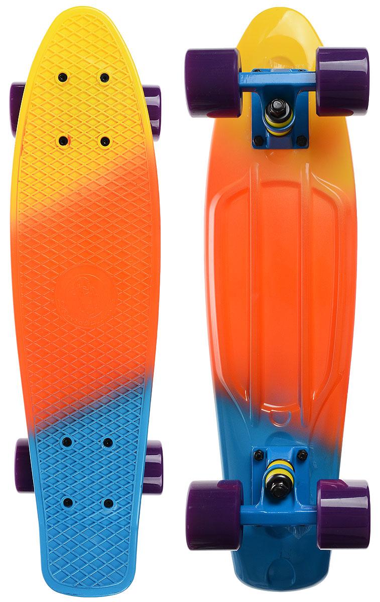 Скейтборд пластиковый Fish, цвет: желтый, оранжевый, голубой, дека 56 х 15 смRUC-01Пенни борд Fish подходит для начинающих райдеров, на нем можно кататься в парках, на улице, площадках, с горок, можете добираться на нем до места работы или учебы. Несмотря на небольшие размеры, пенни развивает большую скорость и отлично лавирует. Скейт имеет небольшую длину и маленький вес, поэтому его можно убрать в рюкзак или сумку, нести в руках, он легкий и небольшой. Дека выполнена из высококачественного прочного пластика. Специальный выпуклый рисунок в виде сетки предотвращает скольжение. Подвеска - прочный алюминий. Полиуретановые колеса обеспечивают хорошее сцепление с поверхностью, быстрый разгон и торможение.