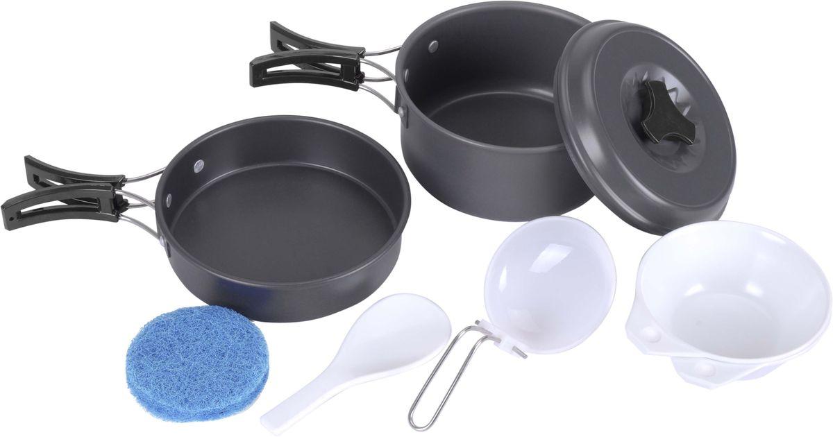 Набор посуды Сплав: 1 кастрюля, 1 сковородка, на 1-2 персоныFMP-302Отлично подойдет для приготовления пищи в походе на 1-2 человекКомпактно складывается и не занимает много местаТвердый защитный слой, полученный при анодировании, защищает поверхность от коррозии и царапинЛегко чиститсяОптимальный набор посуды для маленькой компании или любителей одиночества. При общем весе комплекта в 440 г вы ни в чем себя не ограничиваете во время приготовления пищи.Кастрюля объемом 800 мл с плотно прилегающей крышкой и складывающимися ручками органично сочетается со сковородкой на 600 мл. Отделанные пластиком ручки сковородки также складываются, в результате чего посуда практически не занимает места в рюкзаке.Изготовленные из анодированного алюминия емкости сохраняют обычные для алюминиевой посуды легкость и быстроту прогрева, не ухудшая вкуса приготовленной еды. Анодированный алюминий (anodised aluminium) — это алюминий со специальным покрытием, получаемым электролитическим способом, которое защищает от окисления и служит защитой от механических повреждений. Посуда легко чистится. Покрытие не разрушается со временем и не отслаивается.Кроме металлической посуды в комплект входят изготовленные из полипропилена складной половник, ложка-лопатка, а также две глубокие тарелки, которые при необходимости, могут служить и кружками. Так что, отправляясь в путешествие, вы ни в чем не будете испытывать недостатка. Кастрюля с крышкой и складной ручкой: диаметр 140 мм (max диаметр 149 мм), h=70 мм (с крышкой 90 мм), объем: 800 мл, кастрюля: 144 г, крышка: 67 гСковородка со складной ручкой: диаметр 145 мм (max диаметр 154 мм), h=40 мм, объем: 600 мл, вес: 125 гГлубокая тарелка, 2 шт.: диаметр 113 мм, h=40 мм, вес: 22 гСкладной половник, 1 шт.: 80?50 мм, вес: 22 гЛожка-лопатка, 1 шт.: 130?55 мм, вес: 13 гГубка, 1 шт.: диаметр 80 мм, h=25 мм, вес: 5 гКоличество предметов: 8Общий вес с чехлом: 440 г