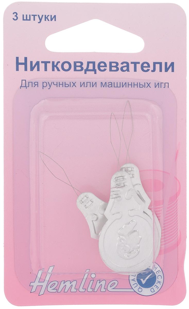 Нитковдеватель Hemline, 3 шт. 232Comfort 05-15Нитковдеватель Hemline обеспечивает легкость и удобство вдевания нити в иглы для ручного или машинного шитья. В комплекте 3 нитковдевателя, выполненных из алюминия. Порядок работы: вставьте металлическую петлю нитковдевателя в ушко иглы, пропустите нитку через петлю, аккуратно протяните металлическую петлю вместе с ниткой назад через ушко иглы.
