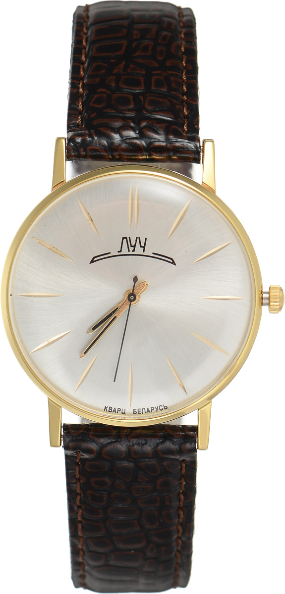 Часы наручные мужские Луч, цвет: золотой, темно-коричневый. 31618733BM8434-58AEСтильные мужские часы Луч выполнены из металлического сплава и силикатного стекла. Корпус дополнен покрытием из комбинированного твердого золота, циферблат оформлен символикой бренда.Корпус часов оснащен кварцевым механизмом со сменным элементом питания, а также дополнен ремешком из натуральной кожи с лаковым покрытием и декоративным тиснением, который застегивается на практичную пряжку.Часы поставляются в фирменной упаковке.Часы Луч подчеркнут отменное чувство стиля их обладателя.