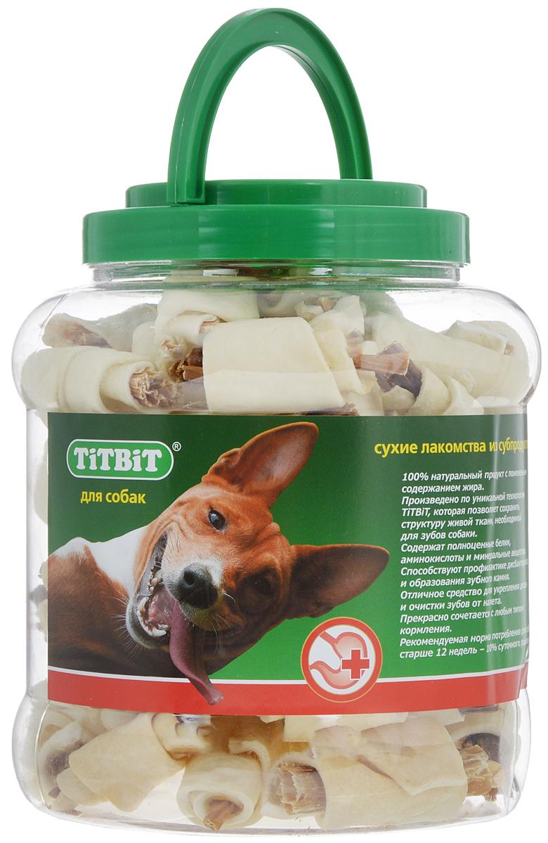 Лакомство для собак Titbit, рогалики из кожи с начинкой, 4,3 л0120710Лакомство для собак Titbit - высушенная говяжья кожа с начинкой из кишок говяжьих. Это 100% натуральный продукт с пониженным содержанием жира. Благодаря большому содержанию аминокислот и коллагена, лакомство положительно воздействует на хрящевую ткань, состояние кожи и шерсти собаки. Способствует профилактике дисбактериоза и образованию зубного камня, а также укрепляет десна и очищает зубы от налета. Кишки возбуждают аппетит и придают лакомству особый вкус, который так нравится собаке. Лакомство хранится в пластиковой банке с ручкой. Товар сертифицирован.