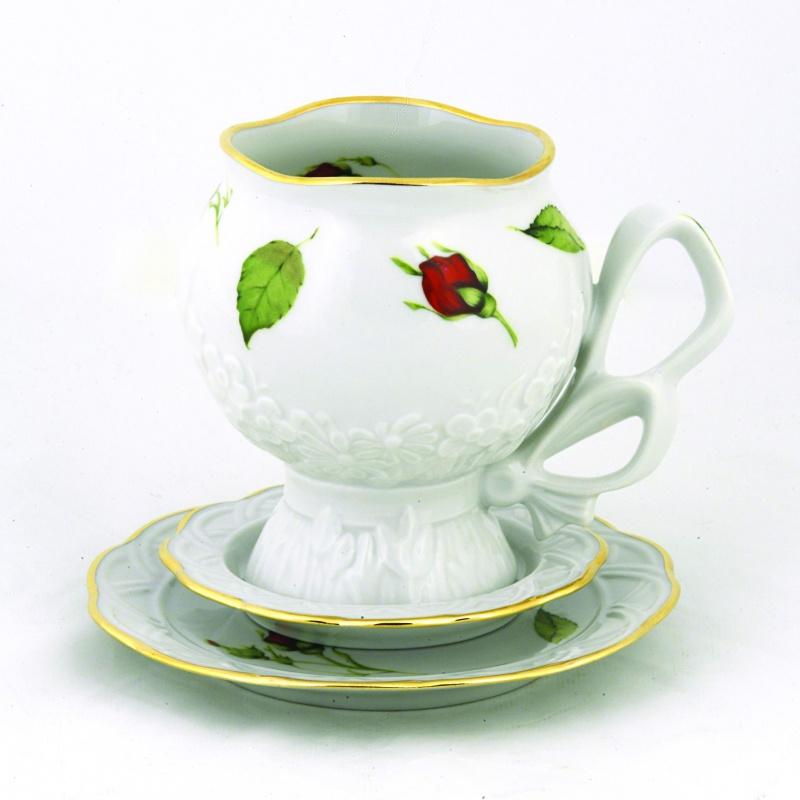 Чайная пара Фарфор Вербилок Подарочная. Бутоны раскидные, 3 предмета68/5/3Чайная пара Фарфор Вербилок Подарочная. Бутоны раскидные состоит из чашки и двух блюдец разного диаметра, изготовленных из высококачественного фарфора. Изделия оформлены в классическом стиле и имеют изысканный внешний вид.Такой набор прекрасно дополнит сервировку стола к чаепитию и подчеркнет ваш безупречный вкус.Чайная пара Фарфор Вербилок Подарочная. Бутоны раскидные - это прекрасный подарок к любому случаю. Объем чашки: 300 мл.Диаметр чашки (по верхнему краю): 7,5 см.Высота чашки: 10,5 см.Диаметр блюдца: 10 см; 13,5 см.