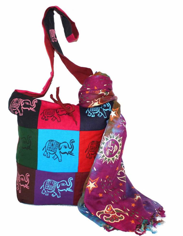 Ethnica Хлопковая сумка, цвет: мультиколор_1. 183140ML597BUL/DПляжная женская сумка Ethnica выполнена из качественного текстиля с интересным принтом с изображением слонов. Модель с одним отделением, застегивается на застежку молнию