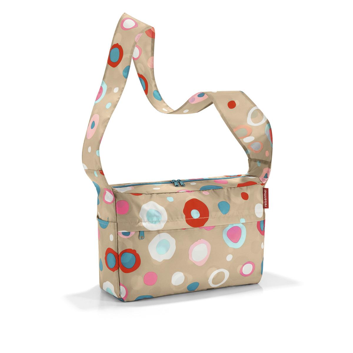 Сумка женская Reisenthel, складная, цвет: бежевый, синий, розовый. AL6034S76245Стильная женская сумка Reisenthel изготовлена из текстиля с оригинальным принтом. Сумка имеет одно отделение, которое закрывается на застежку-молнию с двумя бегунками. Внутри имеется нашивной карман на застежке-молнии, в который сумка складывается и приобретает компактный вид. Снаружи, на передней стенке расположен накладной карман на застежке-молнии, по бокам - открытые накладные карманы. Изделие оснащено удобным плечевым ремнем.