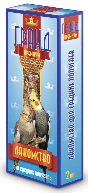 Лакомство для средних попугаев ГРАНД Премиум палочки с медом, 2 шт0120710Лакомство ГРАНД Премиум для Средних попугаев в виде жестких палочек с медом, не только разнообразит корм, но и способствует необходимому уходу за клювом Вашего питомца. Регулярное употребление жестких палочек гарантирует очищение и необходимое стачивание клюва. Это лакомство удобно в качестве корма в выходные дни, повесив одну палочку в клетку, вы обеспечите птицу кормом на 2-4 дня. Состав: Просо красное, просо белое, просо желтое, овес, льняное семя, кукуруза, семена подсолнечника, канареечное семя, полосатые семена, орехи, мед, витамины.