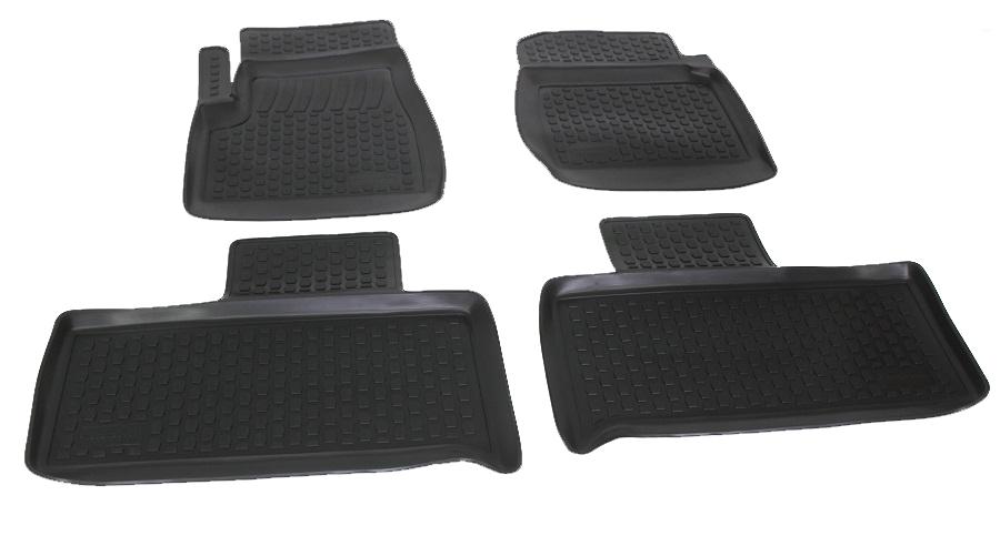 Коврики в салон автомобиля L.Locker, для УАЗ Патриот, 4 штF0156110LAКоврики L.Locker производятся индивидуально для каждой модели автомобиля из современного и экологически чистого материала. Изделия точно повторяют геометрию пола автомобиля, имеют высокий борт, обладают повышенной износоустойчивостью, антискользящими свойствами, лишены резкого запаха и сохраняют свои потребительские свойства в широком диапазоне температур (от -50°С до +80°С). Рисунок ковриков специально спроектирован для уменьшения скольжения ног водителя и имеет достаточную глубину, препятствующую свободному перемещению жидкости и грязи на поверхности. Одновременно с этим рисунок не создает дискомфорта при вождении автомобиля. Водительский ковер с предустановленными креплениями фиксируется на штатные места в полу салона автомобиля. Новая технология системы креплений герметична, не дает влаге и грязи проникать внутрь через крепеж на обшивку пола.