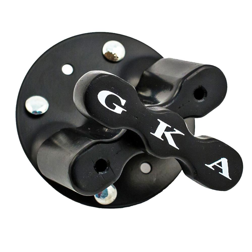 Крепление для канистр GKA Basic19200GKA basic - подходит для крепежа одной 4/5/10/12/15/20 литровых канистр или двух канистр GKA Сэндтрак.Комплектация - 6 крепежных болтов с гайками, металлическое основание, алюминиевый сердечник, фиксирующее устройство.