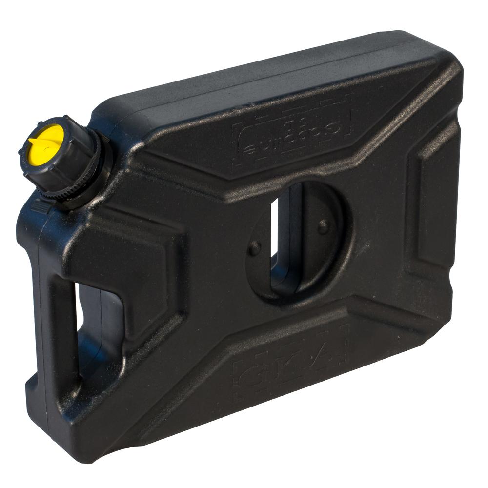 Канистра экспедиционная GKA, цвет: черный, 5 л19201Канистра экспедиционная плоская 5 литров GKA. Изготавливаются из высокопрочных полимеров. Предназначена для любого вида топлива и воды.Укомплектованы гибким носиком для розлива жидкостей. Уплотнитель и антивибрационная система крышки не позволяет жидкости расплескиваться.