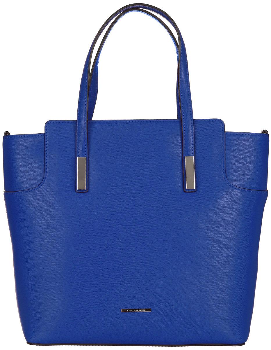 Сумка женская Leo Ventoni, цвет: синий. 2300440823008Стильная женская сумка Leo Ventoni выполнена из натуральной кожи с фактурным тиснением.Изделие содержит одно вместительное отделение, которое закрывается на застежку-молнию. Внутри расположено два накладных кармашка для мелочей, карман-средник на застежке-молнии и врезной карман на молнии. Снаружи, на задней стороне сумки, расположен врезной карман на застежке-молнии. Сумка оснащена удобными ручками и съемным плечевым ремнем.Оригинальный аксессуар позволит вам завершить образ и быть неотразимой.