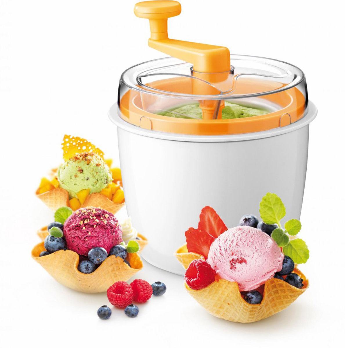 Приспособление для изготовления мороженого Tescoma Della Casa. 64318054 009312Приспособление Tescoma Della Casa отлично подходит для приготовления домашнего мороженого без консервантов, искусственных красителей и чрезмерных подсластителей. Приспособление для изготовления мороженого изготовлено из прочного высококачественного пластика, внутренний контейнер изготовлен из безопасного материала (алюминия).Рецепты приготовления домашнего мороженого, фруктового мороженого, шоколадного, творожного или йогуртного мороженого и сорбета прилагаются в комплекте.Все пластмассовые детали приспособления пригодны для мытья в посудомоечной машине. Контейнер для замораживания c охладителем необходимо промывать под проточной водой и высушивать. Контейнер не пригоден для мытья в посудомоечной машине.Объем контейнера: 600 мл. Размер приспособления: 16 х 16 х 23 см.