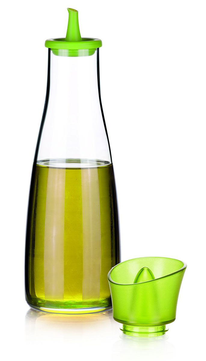 Емкость для масла и уксуса Tescoma Vitamino, цвет: салатовый, прозрачный, 500 млVT-1520(SR)Емкость для масла Tescoma Vitamino, выполненная из высококачественного боросиликатного стекла, позволит украсить любую кухню. Она внесет разнообразие как в строгий классический стиль, так и в современный кухонный интерьер. Легка в использовании, стоит только перевернуть, и вы с легкостью сможете добавить масло. Изделие оснащено воронкой из силикона и крышкой из прочной пластмассы. Оригинальная емкость будет отлично смотреться на вашей кухне.Изделие пригодно для мытья в посудомоечной машине.Высота емкости (с учетом крышки): 25 см.