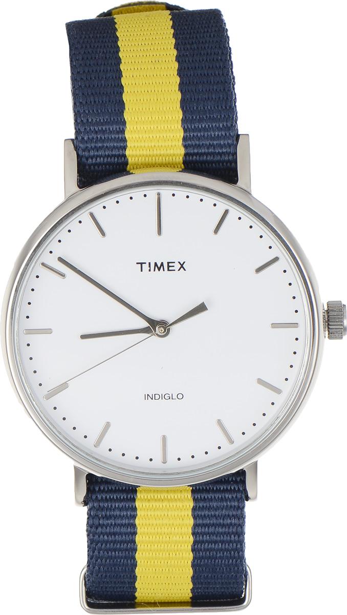Часы наручные мужские Timex Weekender, цвет: темно-синий, желтый. TW2P90900BM8434-58AEСтильные мужские часы Timex Weekender - это модный и практичный аксессуар, который не только выгодно дополнит ваш образ, но и будет незаменим для каждого современного мужчины, ценящего свое время. Корпус с минеральным стеклом выполнен из латуни и оснащен задней крышкой из нержавеющей стали. Циферблат оснащен запатентованной электролюминесцентной подсветкой Indiglo и оформлен символикой бренда.Корпус изделия имеет степень влагозащиты 3 Bar, оснащен кварцевым механизмом и дополнен устойчивым к царапинам минеральным стеклом. Ремешок cо стильным принтом в полоску выполнен из нейлона и дополнен пряжкой, которая позволяет с легкостью снимать и надевать изделие.Часы поставляются в фирменной упаковке.Часы Timex подчеркнут ваш неповторимый стиль и дополнят любой наряд.
