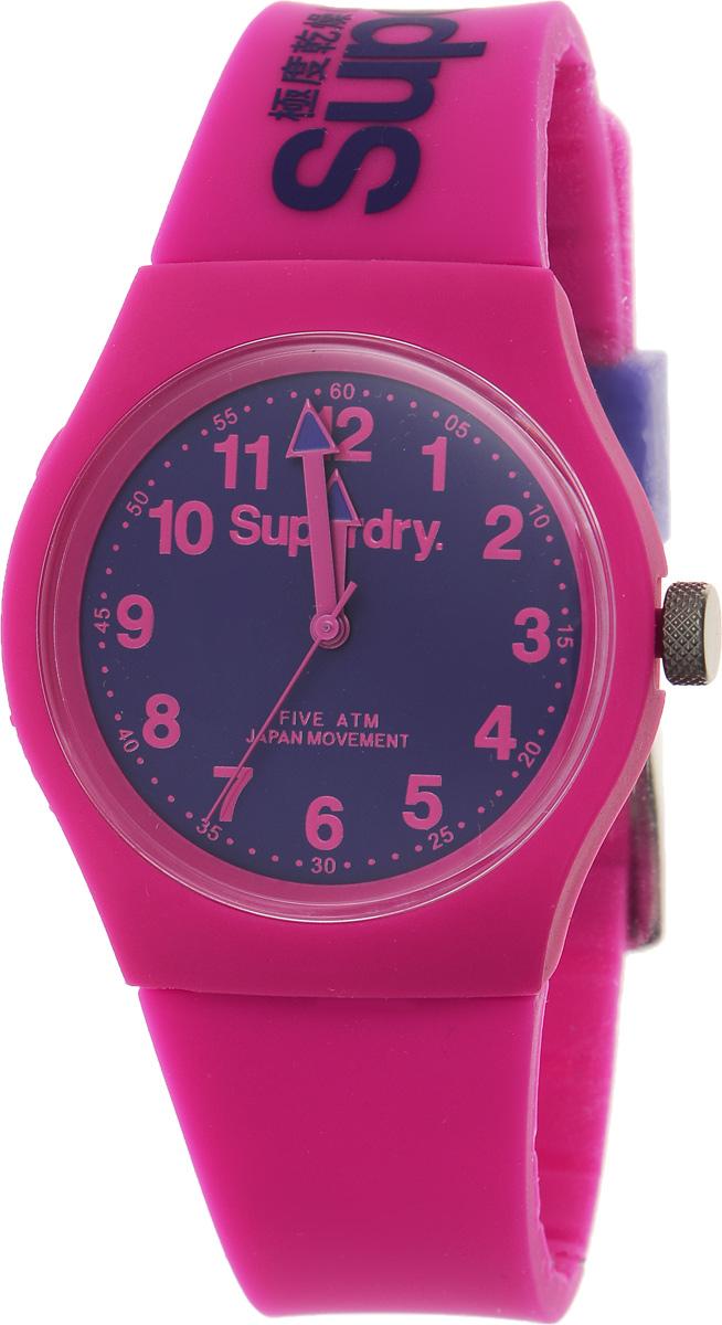 Часы наручные Superdry Urban, цвет: розовый. SYG164PVBM8434-58AEСтильные часы Superdry Urban выполнены из нержавеющей стали, пластика и хезалитового стекла. Циферблат оформлен символикой бренда.Корпус изделия имеет степень влагозащиты 5 Bar, оснащен кварцевым механизмом и дополнен устойчивым к царапинам хезалитовым стеклом. Ремешок современного дизайна выполнен из силикона и оснащен пряжкой, которая позволит с легкостью снимать и надевать изделие.Часы поставляются в фирменной упаковке.Часы Superdry Urban сочетают в себе американский винтаж, японскую эстетику и традиционный британский стиль, тем самым прекрасно дополнят образ.