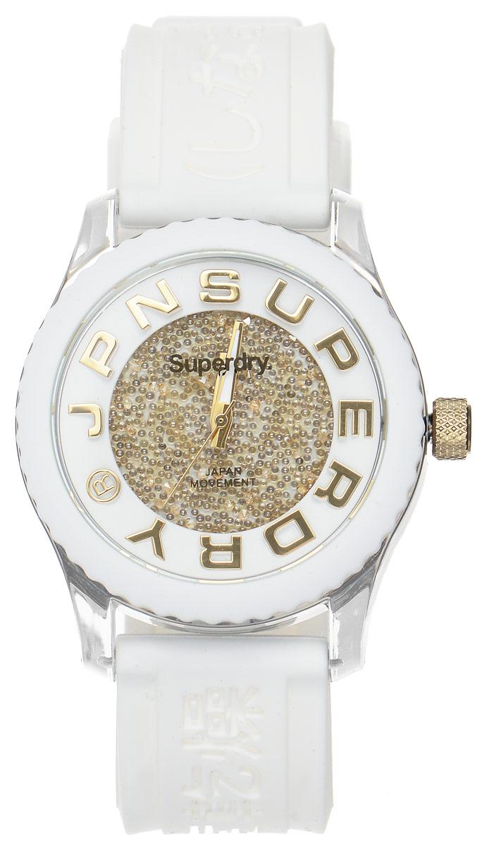 Часы наручные женские Superdry Urban, цвет: белый. SYL174WGBM8434-58AEЭлегантные часы Superdry Urban выполнены из нержавеющей стали, пластика и хезалитового стекла. Циферблат инкрустирован кристаллами Swarovski и оформлен символикой бренда.Корпус изделия имеет степень влагозащиты 5 Bar, оснащен кварцевым механизмом и дополнен устойчивым к царапинам хезалитовым стеклом. Ремешок современного дизайна выполнен из силикона и оснащен пряжкой, которая позволит с легкостью снимать и надевать изделие.Часы поставляются в фирменной упаковке.Часы Superdry Urban подчеркнут изящество женской руки и отменное чувство стиля у их обладательницы.
