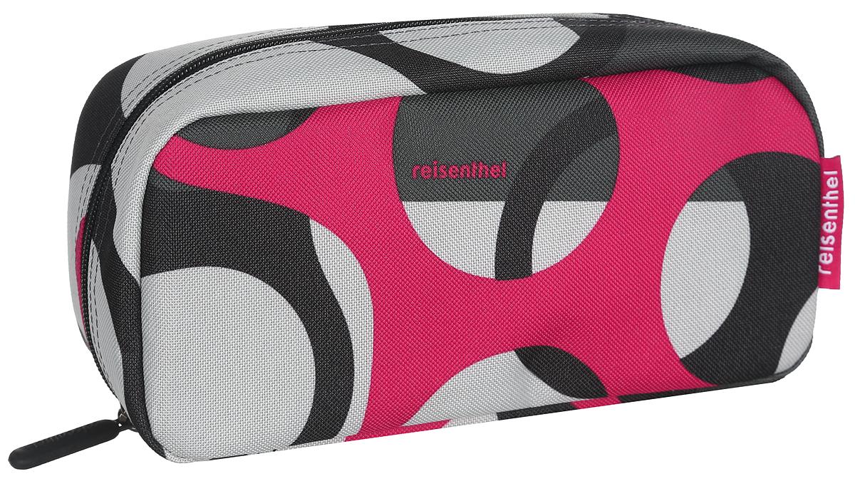 Косметичка Reisenthel Multicase, цвет: черный, серый, красный. WJ70253607869410673Яркая удобная сумочка-косметичка Reisenthel Multicase выполнена из прочного, устойчивого к разрывам, полиэстера и оформлена оригинальным узором. Модель предназначена для хранения косметики, маникюрных принадлежностей и других аксессуаров, которые могут вам понадобиться ежедневно или в путешествиях.Изделие содержит одно основное отделение, которое закрывается на застежку-молнию. Отделение содержит врезной карман на молнии и два нашивных открытых кармашка. Сбоку предусмотрена небольшая петля для удобства переноски.Женская косметичка - это стильный и полезный аксессуар для любой современной модницы. В косметичке поместится вся необходимая косметика, а благодаря компактным размерам ее всегда можно носить с собой в сумочке.