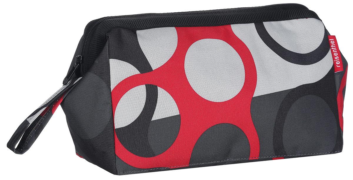 Косметичка Reisenthel Travel, цвет: черный, белый, красный, темно-серый. WC7025INT-06501Практичная и вместительная косметичка Reisenthel Travel выполнена из прочного, устойчивого к разрывам, полиэстера и оформлена оригинальным принтом. Модель предназначена для хранения косметики, маникюрных принадлежностей и других аксессуаров, которые могут вам понадобиться ежедневно или в путешествиях.Изделие имеет одно основное отделение, которое закрывается на застежку-молнию. Отделение содержит врезной карман на молнии и три сквозных кармана-держателя. Встроенные металлические скобы удерживают косметичку в открытом состоянии, чтобы вам удобнее было достать нужные предметы. Сбоку расположен удобный ремешок для переноски.Косметичка - это стильный и практичный аксессуар, который будет полезен как женщине, так и мужчине.