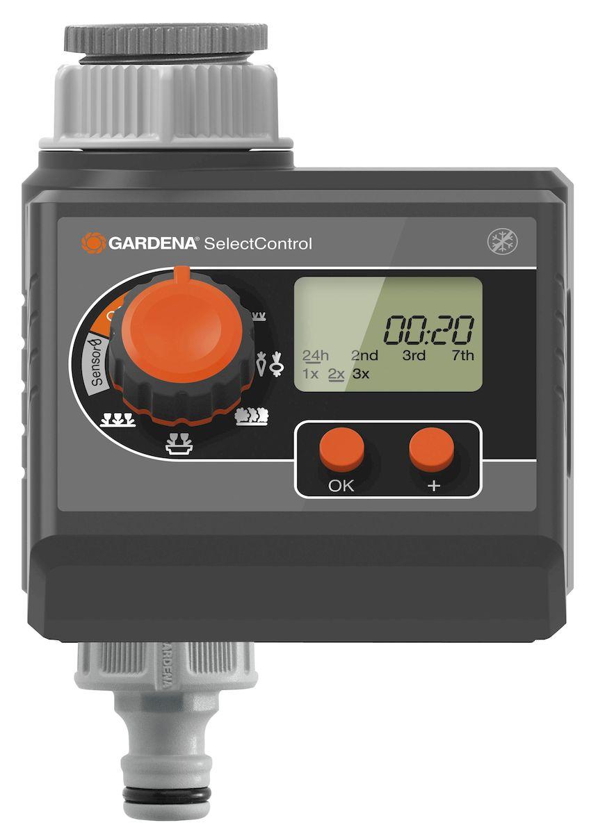 Таймер подачи воды Gardena SelectControl2.645-236.0Таймер подачи воды Gardena SelectControl предлагает для полива 5 предустановленных программ: газон, живые изгороди, горшечные растения, цветочные ящики и грядки. Он контролирует полив в соответствии с запрограммированными настройками, которые вы можете легко изменить, если ваши требования и опыт подсказывают другое. После того, как вы запрограммируете таймер, можете больше не волноваться о поливе и в будни, и в отпуске. Cъемная панель управления для более удобного программирования. Наглядный LCD дисплей: все настройки отображаются на дисплее, возможность настройки времени начала, продолжительности и частоты орошения. После того, как вы скорректируете настройки на свой вкус, таймер подачи воды будет осуществлять полив точно согласно вашим пожеланиям. Для работы таймера требуется одна щелочная батарейка типа крона 9 В (не входит в комплект). Предусмотрена индикация уровня заряда батареи. Вы всегда будете знать, когда необходимо ее заменить, и это обеспечивает стабильность работы таймера. В качестве дополнительной опции, вы можете подключить датчик дождя или влажности почвы при помощи специального разветвителя. Это большое преимущество: когда идет дождь, или почва достаточно влажная, запрограммированный полив отменяется, тем самым экономит драгоценную воду. Инновационная технология экономичного полива: благодаря датчикам дождя и влажности почвы, полив может осуществляться и в ночное время. Продолжительность полива - 1 мин. - 1 ч. 59 мин; Частота полива - в любые дни недели, либо каждый 2-й, 3-й или 7-й день; Частота полива в день - 1,2 или 3 раза; Индикатор разряда - есть; Соединительная резьба для водопроводного крана - 26,5 мм (G 3/4), 33,3 мм (G 1); Рабочее давление - 0,5 - 12 бар.