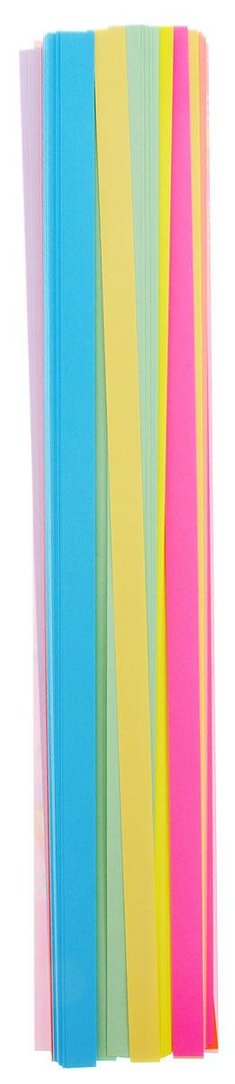 Апплика Бумага для квиллинга 320 шт 8 цветов72523WDБумага для квиллинга Апплика - это порезанные специальным образом полоски бумаги определенной плотности. Такая бумага пластична, не расслаивается, легко и равномерно закручивается в спираль, благодаря чему готовым спиралям легче придать форму. В упаковке 320 полосок бумаги 8 разных цветов.Квиллинг (бумагокручение) - техника изготовления плоских или объемных композиций из скрученных в спиральки длинных и узких полосок бумаги. Из бумажных спиралей создаются необычные цветы и красивые витиеватые узоры, которые в дальнейшем можно использовать для украшения открыток, альбомов, подарочных упаковок, рамок для фотографий и даже для создания оригинальных бижутерий. Это простой и очень красивый вид рукоделия, не требующий больших затрат.