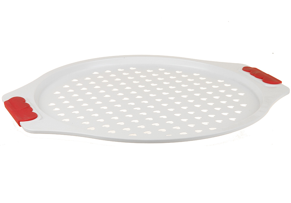 Форма для запекания пиццы Pomi d'Oro Roma, круглая, с керамическим покрытием, диаметр 31 см631414Форма для запекания Pomi d'Oro Roma изготовлена из углеродистой стали с керамическим покрытием Kerano. Такое покрытие позволяет готовить практически без использования масла, отличается хорошей стойкостью к внешним воздействиям и не деформируется при нагревании. Утолщенное дно обеспечивает равномерное распределение и длительное сохранение тепла. Форма снабжена удобными силиконовыми вставками. Пища в такой форме не пригорает и не прилипает к стенкам. Форма станет полезным приобретением для вашей кухни и сделает приготовление любимых блюд намного проще. Диаметр формы: 31 см. Толщина стенок: 2-3 мм.