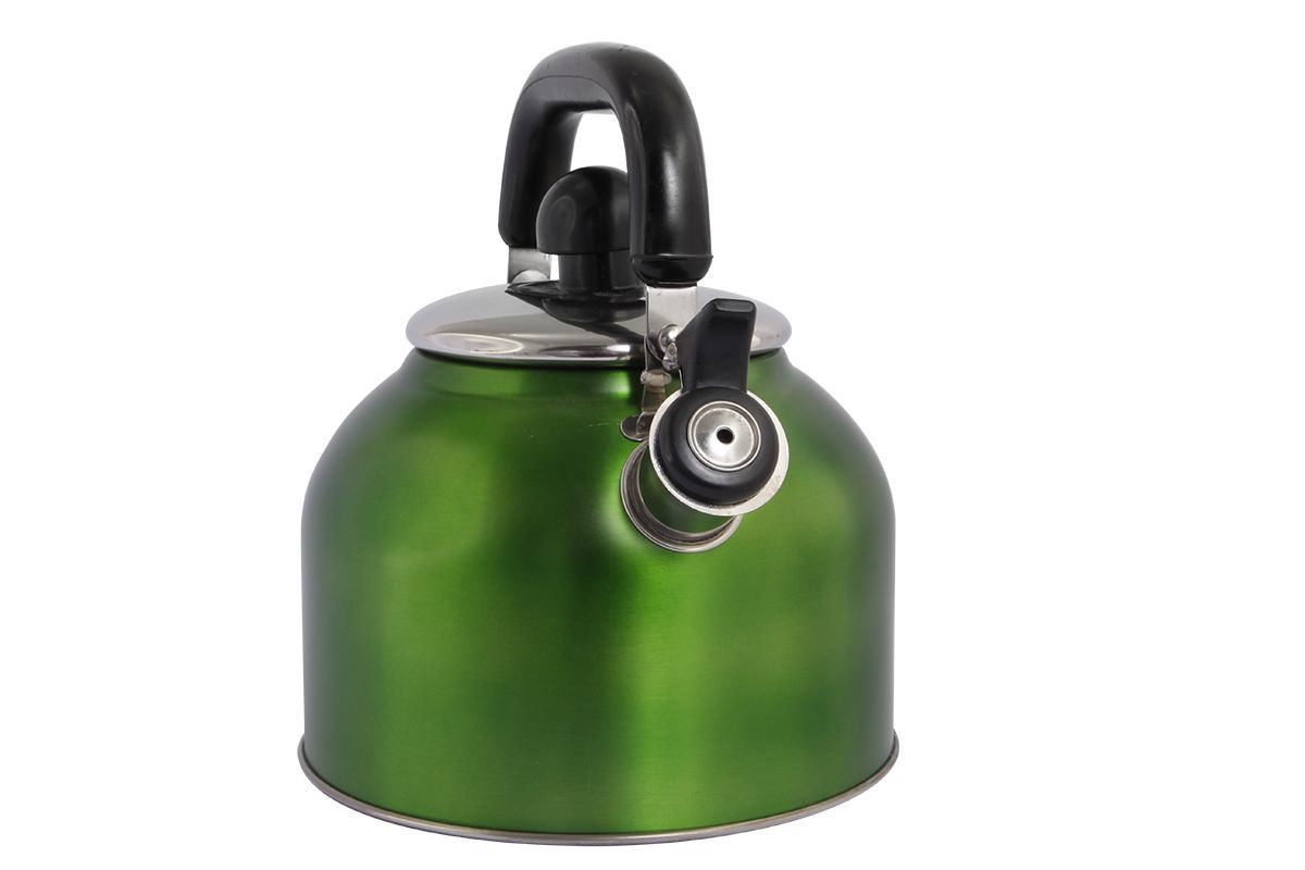 Чайник Pomi d'Oro Napoli, со свистком, 3 л. R300977.858@23364 / R3009 NapoliЧайник Pomi dOro Napoli изготовлен из высококачественной нержавеющей стали, внешние стенки имеют цветное зеркальное покрытие. Нержавеющая сталь обладает высокой устойчивостью к коррозии, не вступает в реакцию с холодными и горячими продуктами и полностью сохраняет их вкусовые качества. Особая конструкция капсулированного дна способствует высокой теплопроводности и равномерному распределению тепла. Чайник оснащен удобной ручкой из бакелита. Носик чайника имеет свисток, звуковой сигнал которого подскажет, когда закипит вода.Чайник подходит для всех типов плит, кроме индукционных.