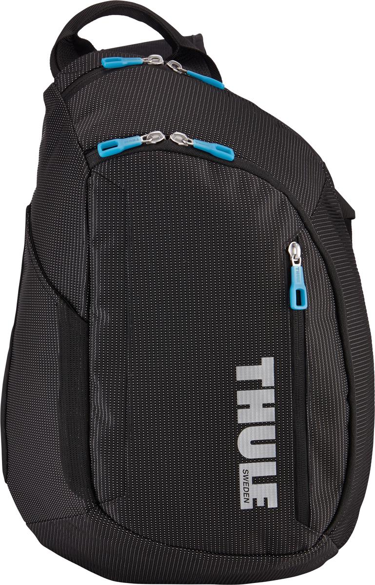 Рюкзак-слинг Thule Crossover Sling Pack, цвет: черный, 17 л3201993Рюкзак на одной лямке Thule Crossoverпросто незаменим в дороге — настолько удобно в нем хранить разные туристические мелочи, а также электронные устройства. Внутренний отдел с мягкой прокладкой подойдет для MacBook Pro 13 или ноутбука. В органайзере можно хранить карты, журналы и электронные устройства. В удобно открывающиеся карманы можно положить еду, бутылку с водой и небольшие спортивные принадлежности. Водостойкий материал и надежные застежки-молнии делают эту сумку легкой, но прочной. Перфорированные наплечные ремни из EVA с сетчатым покрытием и мягкая задняя подушка со специальными порами, пропускающими воздух, создают ощущение комфорта и позволяют вашей спине «дышать». Плечевой ремень с потайным карманом для телефона или небольших предметов.