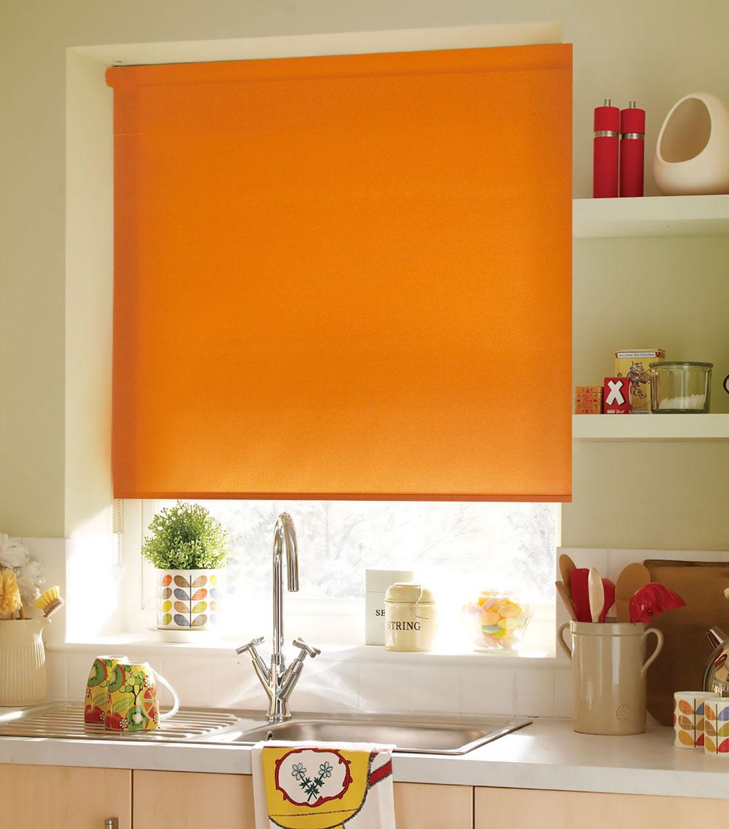 Штора рулонная KauffOrt Миниролло, цвет: оранжевый, ширина 90 см, высота 170 см62.РШТО.8955.120х175Рулонная штора Миниролло выполнена из высокопрочной ткани оранжевого цвета, которая сохраняет свой размер даже при намокании. Ткань не выцветает и обладает отличной цветоустойчивостью. Миниролло - это подвид рулонных штор, который закрывает не весь оконный проем, а непосредственно само стекло. Такие шторы крепятся на раму без сверления при помощи зажимов или клейкой двухсторонней ленты. Окно остаётся на гарантии, благодаря монтажу без сверления. Такая штора станет прекрасным элементом декора окна и гармонично впишется в интерьер любого помещения.