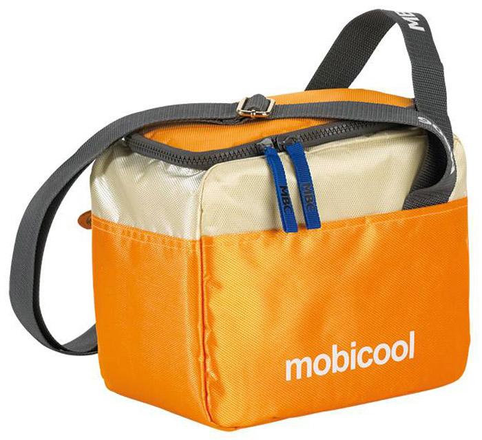 MOBICOOL Sail 6, Orange термосумкаАХ-500Термосумка MOBICOOL Sail 6 сохранит ваши продукты свежими как в городе, так и на природе. Она идеальна для хранения ланчей и других небольших по размеру продуктов. Сумка имеет внешние карманы для различных мелочей и аксессуаров, а также регулируемый по длине плечевой ремень.Боковая ручкаБоковой карманМолния по периметру
