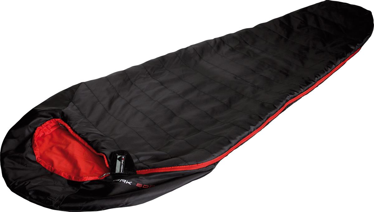 Спальник High Peak Pak 600, цвет: черный, красный, левосторонняя молния010-01199-23High Peak Pak 600 - это один из самых легких и компактных спальников на рынке профессионального снаряжения. Спальник подходит для летних путешествий или как вкладыш при зимних походах. Внешняя ткань усилена плетением рипстоп, а внутренняя ткань хорошо испаряет влагу и приятна на ощупь. Спальник имеет полноценный капюшон, защищающий голову в прохладную ночь. В верхней части молния фиксируется клапаном на липучке Velcro. На молнии два бегунка, которые позволяют расстегнуть спальник со стороны ног и сделать вентиляционное окно. Вдоль молнии идет защита от закусывания молнией ткани спальника. Спальник утеплен высокоэффективным полым волокном DuraLoft с силиконовым покрытием волокон. Плотность утеплителя равна 50 г/м2 с обеих сторон спальника. В комплекте со спальником идет транспортировочный компрессионный чехол объемом 2,7 л.