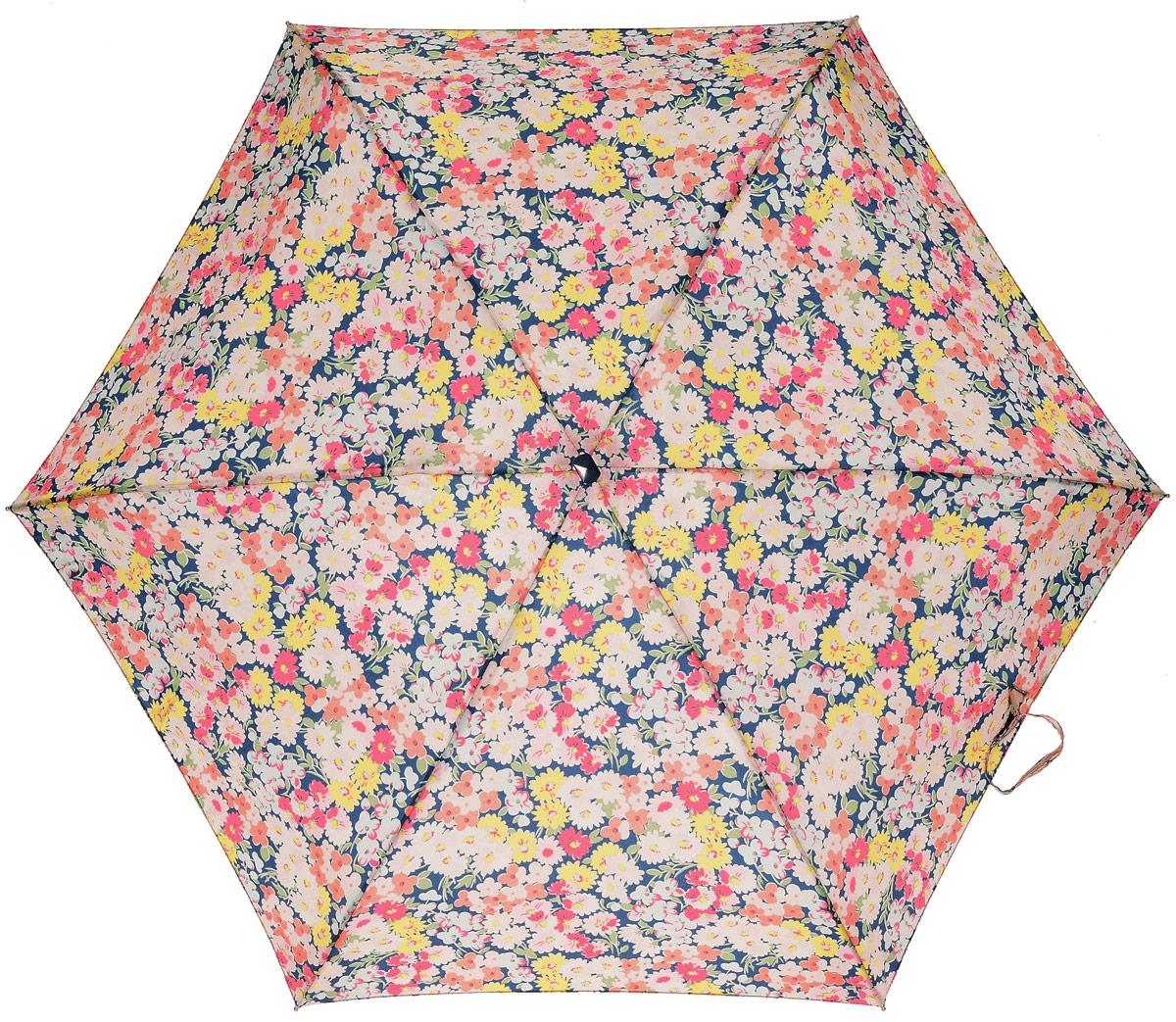 Зонт женский Fulton Cath Kidston, механический, 5 сложений, цвет: мультиколор. L521-3132Колье (короткие одноярусные бусы)Компактный женский зонт Fulton выполнен из металла и пластика.Каркас зонта выполнен из шести спиц на прочном алюминиевом стержне. Купол зонта изготовлен из прочного полиэстера. Закрытый купол застегивается на хлястик с липучкой. Практичная рукоятка закругленной формы разработана с учетом требований эргономики и выполнена из натурального дерева.Зонт складывается и раскладывается механическим способом.Зонт дополнен легким плоским чехлом. Такая модель не только надежно защитит от дождя, но и станет стильным аксессуаром.