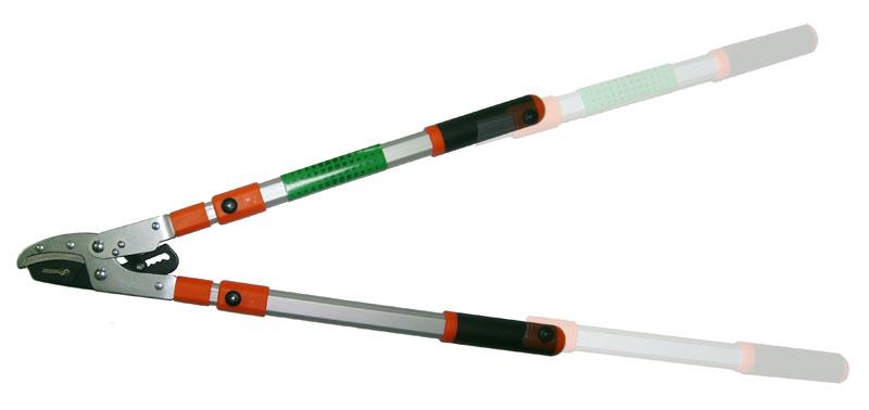 Сучкорез Skrab телескопический. 28040C0042416Сучкорез, 610 - 950 мм, с алюминиевыми ручками усиленного профиля, силовой, двухрычажный, с трещеточным механизмом.Предназначен для обрезки сучьев диаметром до 38 мм, обеспечивает легкий срез удаленных веток.Телескопические ручки раздвигаются на 320 мм (максимальная длина изделия - 950 мм).Закаленные лезвия изготовлены из высокоуглеродистой стали SK5, имеют продолжительный срок службы и защиту от коррозии, легко очищаются.Покрытая медью регулируемая упорная пластина и храповый механизм обеспечивают легкость реза.Прочные ручки снабжены эргономичными мягкими рукоятками.Сделано в Тайване
