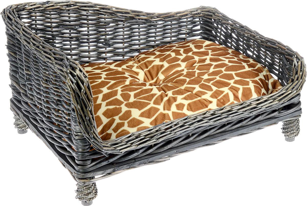 Лежак-диван Каскад №2, плетеный, угловой, 60 х 44 х 32 см0120710Угловой лежак-диван для животных Каскад №2, изготовленный из лозы ротанга, дополнен мягкой подушкой и высокими плетеными бортиками. Материал чехла подушки выполнен из мягкого и приятного на ощупь текстиля, наполнитель - полиэстер. Такой лежак-диван станет любым местом вашего питомца. Благодаря качественному изготовлению лежак-диван не повредит напольное покрытие.