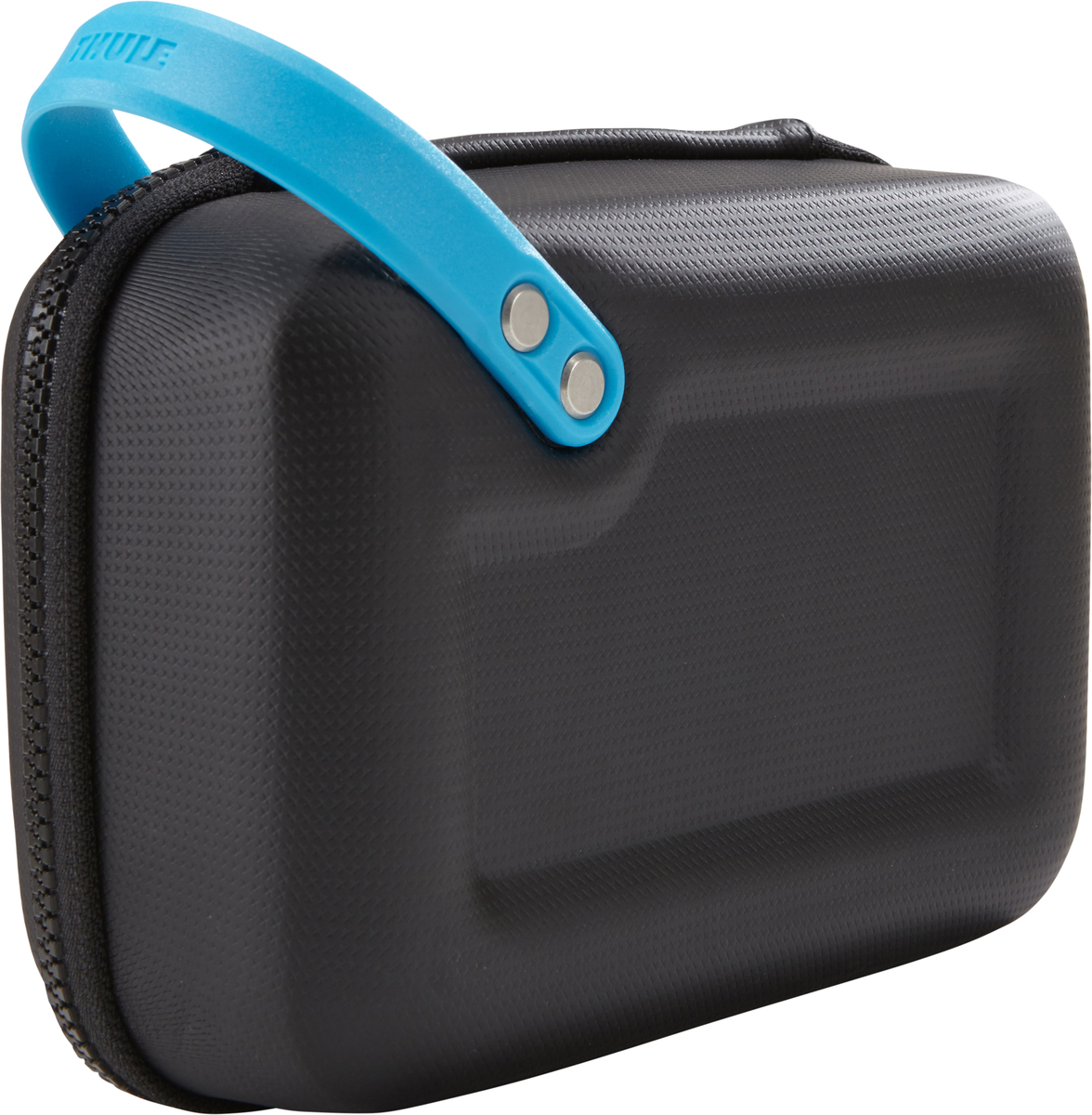 Чехол для экшн-камеры Thule Legend GoPro Case, цвет: черный, 21 x 8 x 15 смT-B3210Thule Legend GoPro - долговечный чехол для камеры GoPro с удобными отделениями для всех необходимых аксессуаров поможет вести съемку в любом путешествии. Ударопрочный отсек с мягкой подкладкой позволяет хранить камеру GoPro, LCD Touch BacPac, пульт дистанционного управления, запасные аккумуляторы и SD-карты. Съемная подкладка из прессованной пены облегчает очистку внутренней поверхности от пыли, грязи, песка и пр. В жестком кармане можно хранить зарядные устройства, кабели и ремни для крепления. Благодаря тонкому дизайну с легкостью умещается в другой сумке. Полужесткая конструкция и прочное покрытие обеспечивают защиту и надежность хвата. Большие язычки на молниях обеспечивают удобство доступа даже в том случае, если на вас надеты перчатки. Встроенную удобную ручку можно прикреплять с помощью карабина к поясному ремню, а также наплечным ремням и рюкзаку. Яркая внутренняя отделка поможет быстро найти мелкие предметы. Удобное отверстие линейного выхода позволяет заряжать камеру GoPro на ходу.