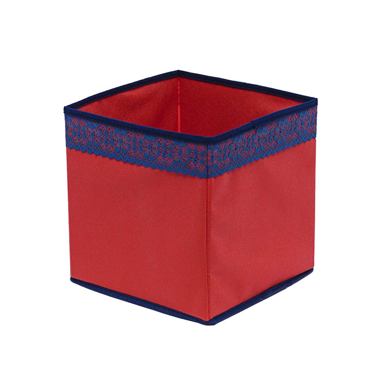 Кофр для хранения Homsu Rosso, 22 х 22 х 22 смTD 0033Кофр для хранения Homsu Rosso изготовлен из высококачественного нетканого полотна и декорирован вставкой из кружева. Кофр имеет одно большое отделение, где вы можете хранить различные бытовые вещи, нижнее белье, одежду и многое другое. Вставки из картона обеспечивают прочность конструкции. Стильный принт, модный цвет и качество исполнения сделают такой кофр незаменимым для хранения ваших вещей.