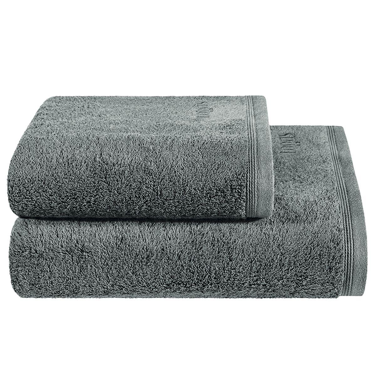 Полотенце Togas Пуатье, цвет: темно-серый, 50 х 100 см1004900000360Полотенце Togas Пуатье невероятно гармонично сочетает в себе лучшие качества современного махрового текстиля. Безупречные по качеству, экологичное полотенце из 70% хлопка и 30% модала идеально заботится о вашей коже, особенно после душа, когда вы расслаблены и особо уязвимы. Деликатный дизайн полотенца Togas «Пуатье» - воплощение изысканной простоты, где на первый план выходит качество материала. Невероятно мягкое волокно модал, превосходящее по своим свойствам даже хлопок, позволяет улучшить впитывающие качества полотенца и делает его удивительно мягким. Модал - это 100% натуральное, экологически чистое целлюлозное волокно. Оно производится без применения каких-либо химических примесей, поэтому абсолютно гипоаллергенно.Полотенце Togas Пуатье, обладающее идеальными качествами, будет поднимать вам настроение.