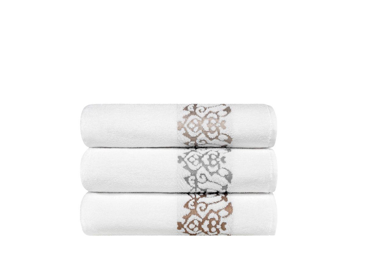 Полотенце Togas Олимпия, цвет: белый, бежевый, 70 х 140 смBH-UN0502( R)Состав:100% хлопок, плотность ткани: 550 гр/м2 Цвет: белый/бежевыйКомплектация: 1 полотенце. Полотенце Олимпия невероятно гармонично сочетает в себе лучшие качества современного махрового текстиля, и хрупко-нежную эстетику прошлого, воплощенную в изумительной по красоте вышивке. Безупречные по качеству, экологичные полотенца из натурального хлопка идеально заботятся о вашей коже, особенно после душа, когда вы расслаблены и особо уязвимы. Хлопок долговечен, не вызывает раздражения, имеет быструю впитывающую способность. Ежедневное соприкосновение с комфортно-нежными, мягким полотенцем Олимпия, обладающими идеальными качествами будет поднимать вам настроение, а созерцание невероятно элегантной вышивки на кайме наполнит вашу жизнь сияющим оптимизмом.