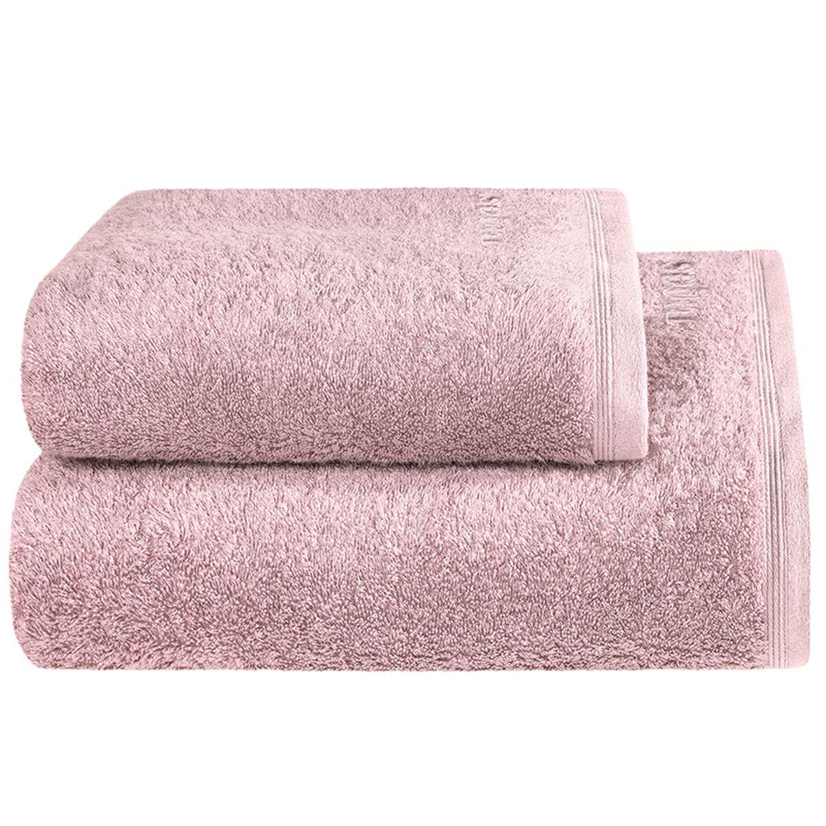 Полотенце Togas Пуатье, цвет: розовый, 70 х 140 смC0042415Полотенце Togas Пуатье невероятно гармонично сочетает в себе лучшие качества современного махрового текстиля. Безупречные по качеству, экологичное полотенце из 70% хлопка и 30% модала идеально заботится о вашей коже, особенно после душа, когда вы расслаблены и особо уязвимы. Деликатный дизайн полотенца Togas «Пуатье» - воплощение изысканной простоты, где на первый план выходит качество материала. Невероятно мягкое волокно модал, превосходящее по своим свойствам даже хлопок, позволяет улучшить впитывающие качества полотенца и делает его удивительно мягким. Модал - это 100% натуральное, экологически чистое целлюлозное волокно. Оно производится без применения каких-либо химических примесей, поэтому абсолютно гипоаллергенно.Полотенце Togas Пуатье, обладающее идеальными качествами, будет поднимать вам настроение.